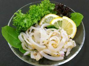 グランプリに輝いた佐賀玄海漁協の「剣先イカオイル漬けレモン風味」
