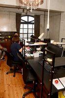 5階にある複合機やデスクを備えたシェアオフィススペース=佐賀市唐人のCSOLab