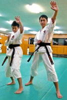 伊藤誠晃君(左)と古賀勇貴君