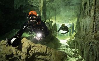 メキシコに347kmの水中洞窟