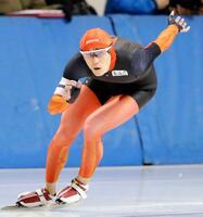 スピード男子1500メートル 1分49秒29の大会新記録で優勝した白樺学園・野々村太陽=明治北海道十勝オーバル