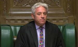 21日、ロンドンの英下院で意見を述べるバーカウ議長(英下院提供、AP=共同)