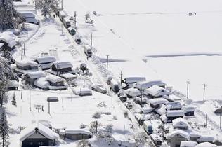 大雪キャンセル1万人超、福井