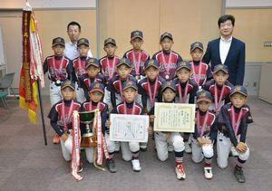 少年野球三根ボーイズが九州大会出場を町長に報告