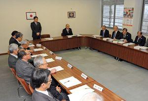 2018年度の事業計画などを承認した佐賀県体育協会理事会=佐賀市の県スポーツ会館