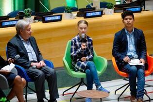 初の「若者気候サミット」開幕