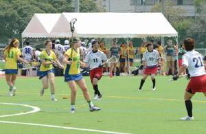 九州地区選抜との親善試合に臨むU-23豪州女子代表=佐賀市の県総合運動場球技場