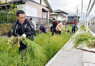 川を愛する週間 進む高齢化でクリーク清掃担い手不足