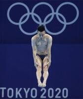 男子板飛び込み準決勝 寺内健の2回目の演技=東京アクアティクスセンター