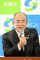 プロスポーツ支援などについて言及した佐賀市の秀島敏行市長=市役所