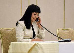 電話対応の技術を競った「第41回電話応対コンクール県大会」の参加者=佐賀市のグランデはがくれ