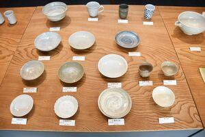 多様な皿の作品=唐津市呉服町のギャラリー一番館