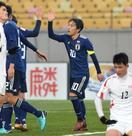 サッカー、日本3連勝で1位通過