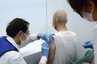 ワクチン計画「遅い」85%