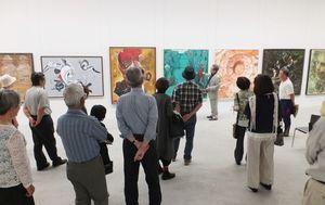 100回を迎えた佐賀美術協会展=昨年5月、県立博物館・美術館