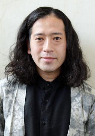 又吉直樹さんが初の新聞小説