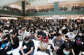 香港各地で抗議活動