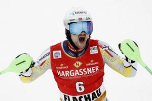 優勝を喜ぶセバスチャン・フォスソレボーグ=17日、フラッハウ(ゲッティ=共同)