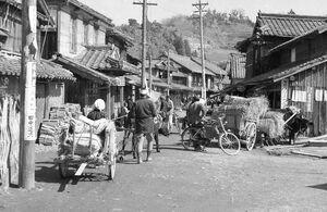 昭和30年ごろの伊万里市波多津の中心部