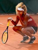 全仏テニス、大坂入念に体動かす