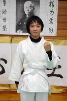 「メダルを持って帰る」と全国大会への意気込みを語る永松莉菜さん=鹿島市民武道館