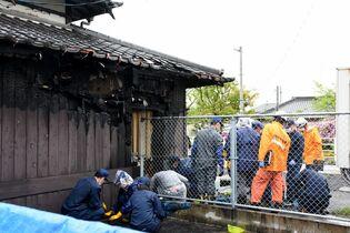 小城駅で火災、駅舎の一部焼く