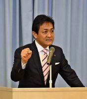 佐賀県議選など統一地方選での勝利を訴える玉木雄一郎代表=佐賀市大和町の春日公民館