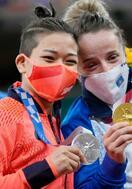 柔道、渡名喜風南が銀メダル