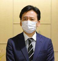 佐賀県議会議長の桃崎峰人氏が死去したことを悼む山口祥義知事=県庁