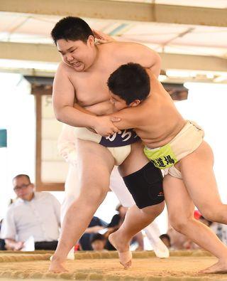 学童五輪・相撲 からつク、2年ぶりV