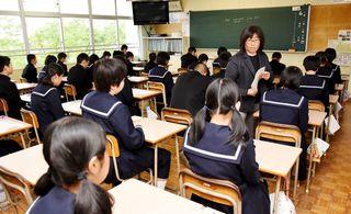 学力テスト、県内1万5000人臨む