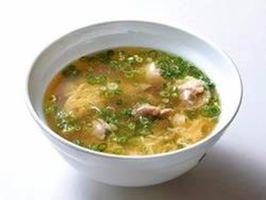 「ドライブイン鳥」の鳥スープ