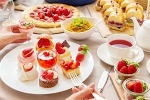 佐賀県産イチゴ「いちごさん」を使ったデザートが満喫できるスイーツビュッフェ(提供写真)