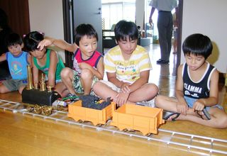 <平成 この日、>蒸気車雛形復元模型を公開=平成17年8月14日(13年前)