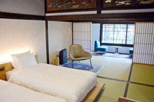 1日1組限定の宿「御宿 富久千代」のベッドルーム。和のしつらえで落ち着いた空間になっている