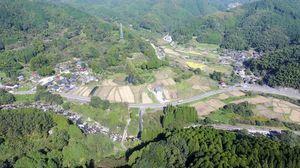 城原川ダムの水没予定地の神埼市脊振町岩屋、政所地区=2016年10月、ドローンで撮影