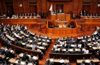 衆院、厚労相不信任決議案を否決