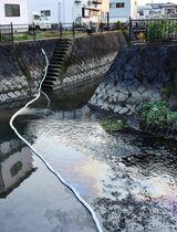 佐賀市内の川で油流出、原因は調査中