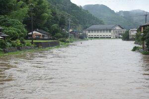 大雨で増水した有浦川=東松浦郡玄海町