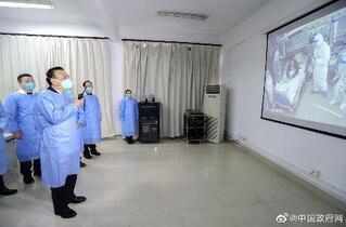 中国首相、新型肺炎の武漢視察