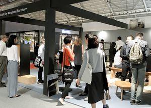 佐賀市の家具メーカーが出展したシンガポールでの国際見本市。今年は販路開拓に向けた取り組みを一段と加速させる