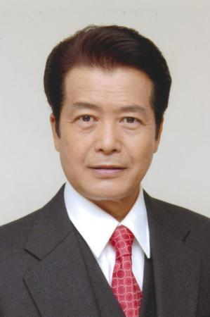 俳優小野寺昭さん山でけが、長野