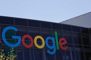 グーグル、3年ぶり減益