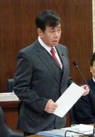 衆院外務委員会で多岐にわたる外交課題を追及し、本格復帰した原口一博議員=東京・永田町の衆院分館