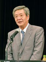 古川候補の支持を呼び掛ける自民党の竹下総務会長=小城市のドゥイング三日月