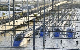 北陸新幹線ダイヤ復旧、年内困難