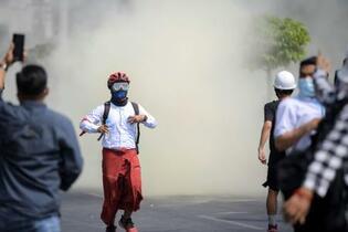 デモ参加女性、撃たれ死亡と報道