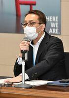 九州新幹線長崎ルートの未着工区間の整備方式に関し協議した県地域交流部の南里隆部長=5日午後、佐賀県庁