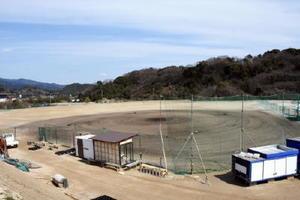 佐賀競馬場の駐車場跡地に造成されていた「さが競馬場野球場」(仮称)=鳥栖市江島町