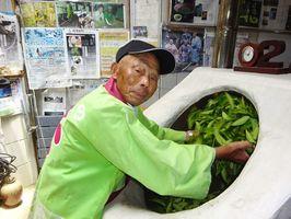 製茶歴70年の宮崎泰三さん